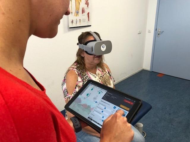 VR-bril bij fysiotherapie Zorggroep Almere